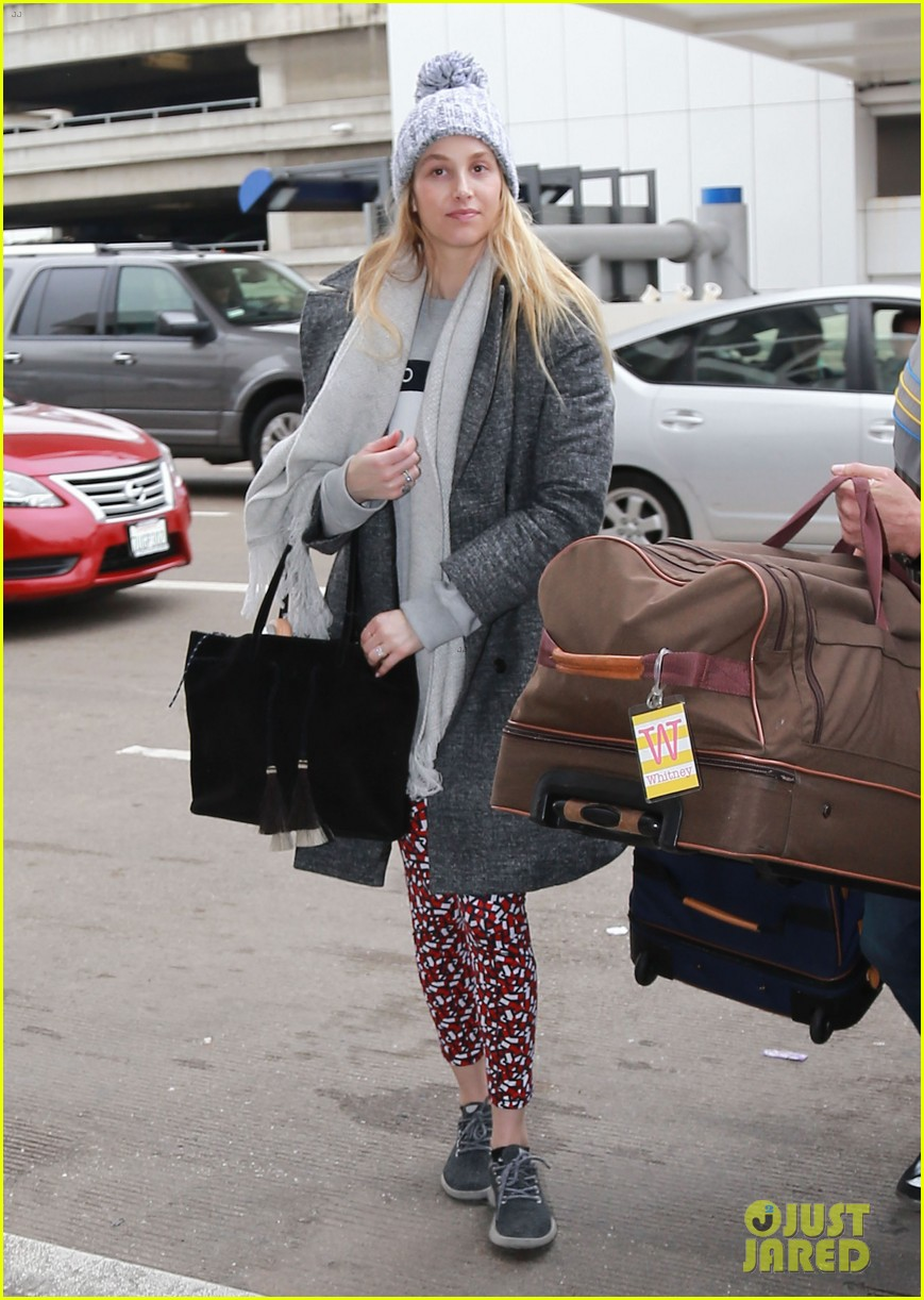 whitney port catches a flight after making pregnancy announcement 013857073
