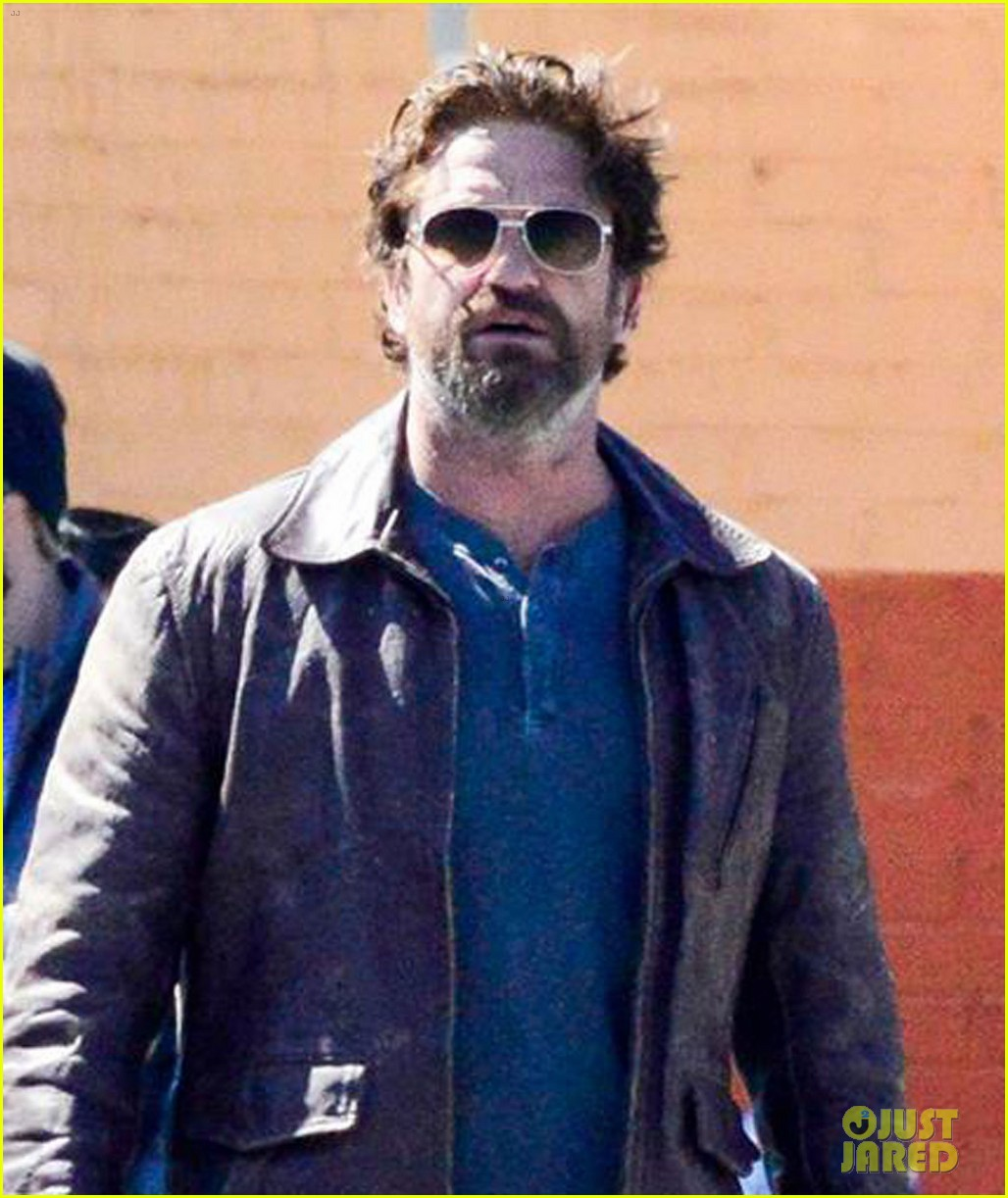 gerard butler films den of thieves 043869159