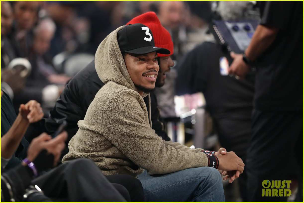 chance the rapper donates one million dollars 023870599