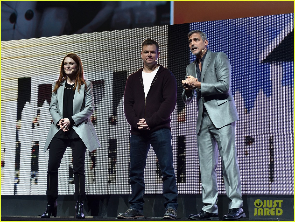 George Clooney at CinemaCon presenting Suburbicon George-clooney-julianne-moore-matt-damon-cinemacon-2017-11