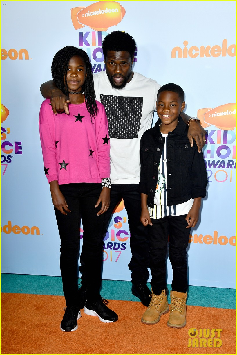 Kevin Hart Gets Slimed at the Kids' Choice Awards!: Photo ...