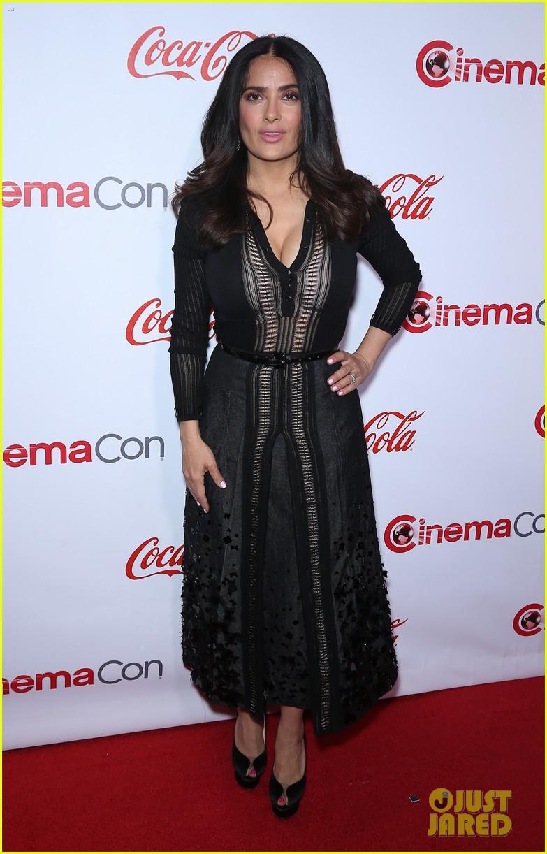 jessica naomi salma attend the cinemacon awards 03