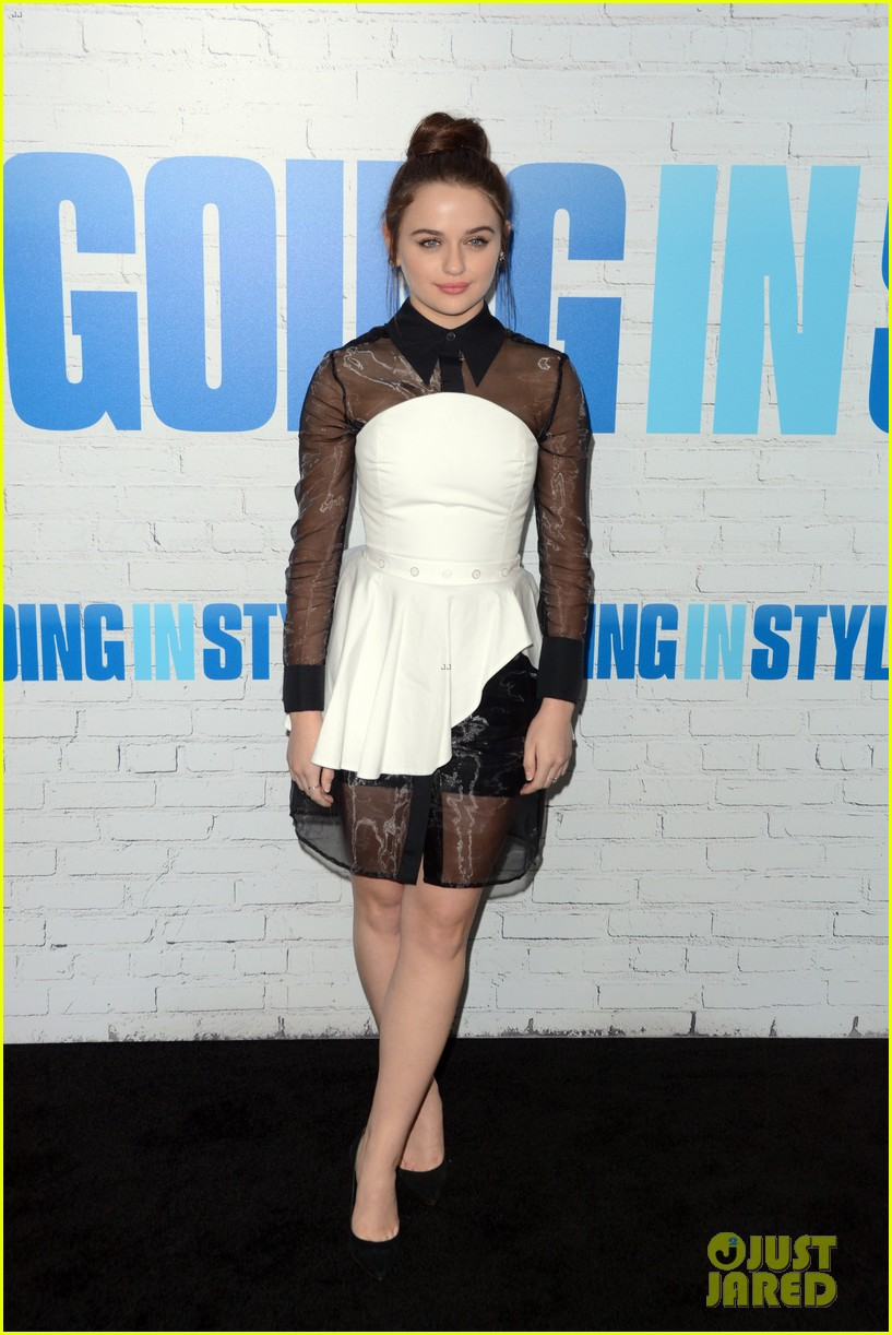 joey king going in style premiere 123880413