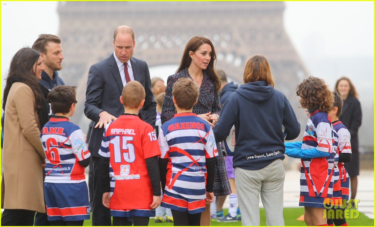 kate middleton prince william join rugby team eiffel tower 093875717