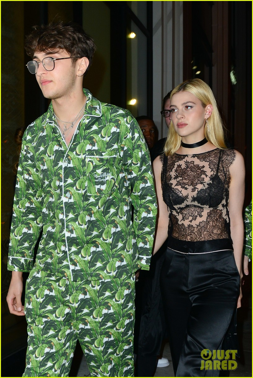 nicola peltz boyfriend anwar hadid matches her brother 043872702
