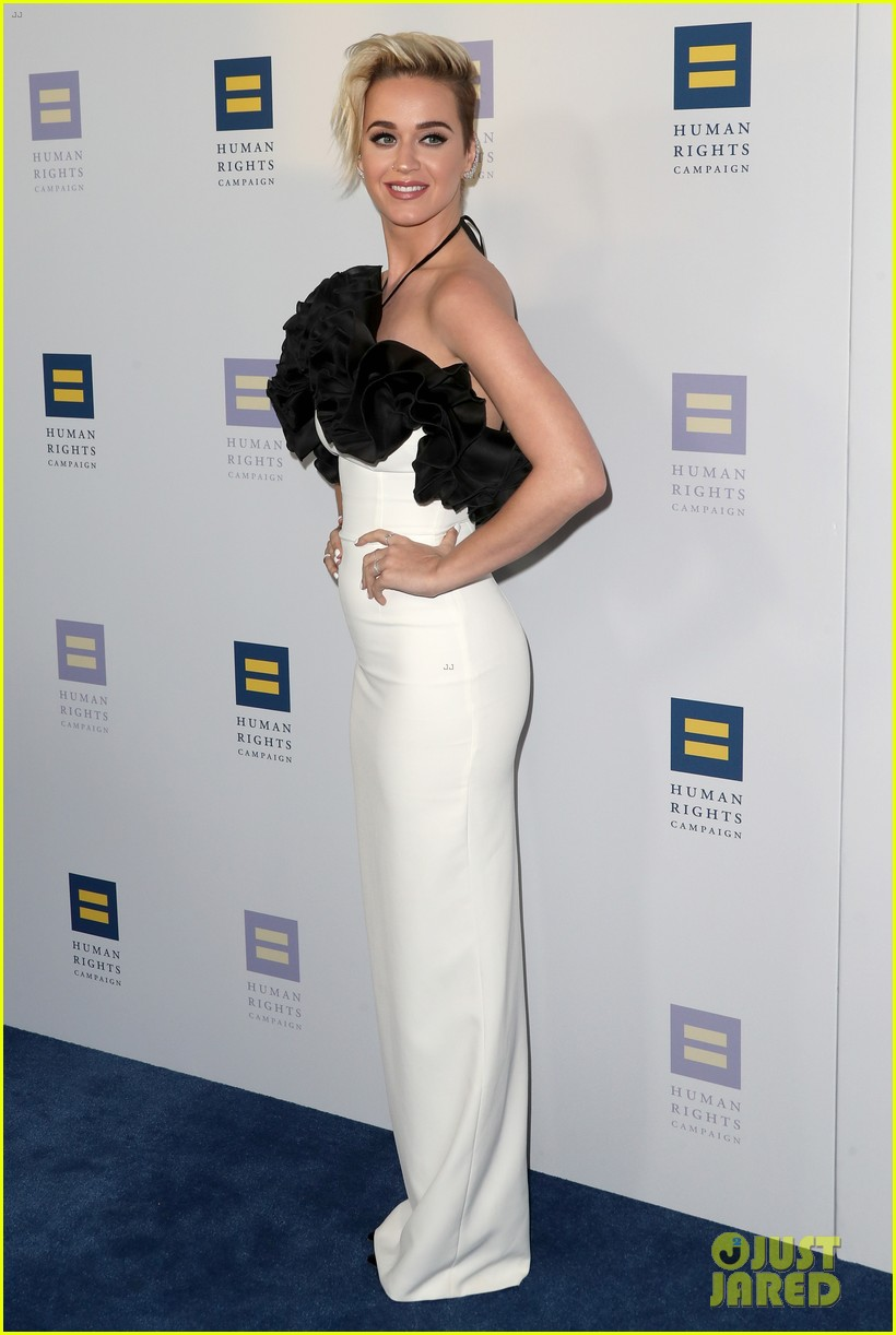 katy perry stuns in black white for human rights 043875867