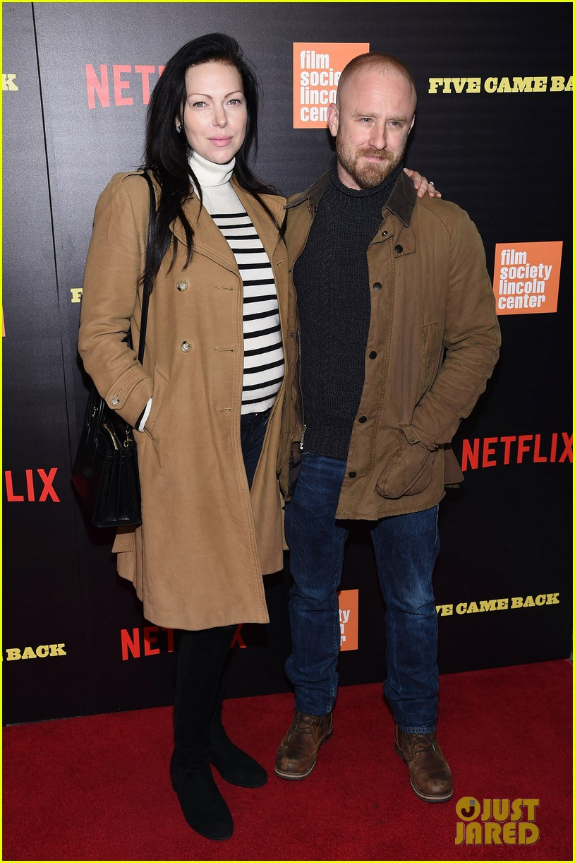 ben foster pregnant fiancee laura prepon bring baby bump to five came back world premiere 03
