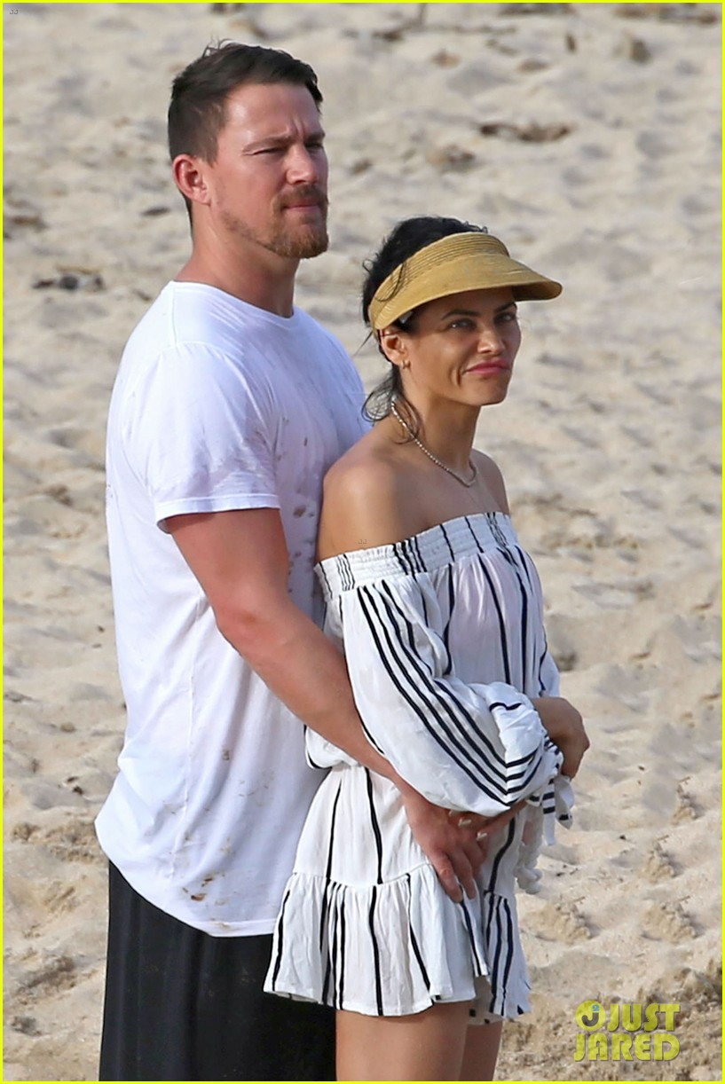 channing tatum jenna dewan beach photos shirtless bikini 023870604