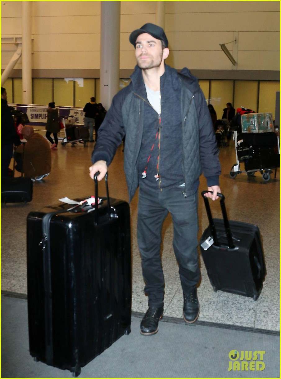 paul wesley jets to toronto to direct shadowhunters episode 013871674