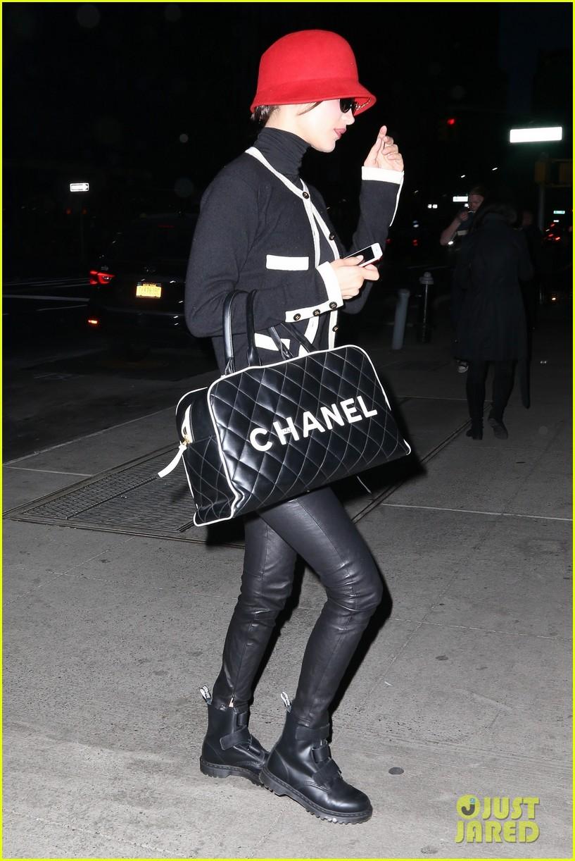 bella hadid gets fashionable in nyc 05