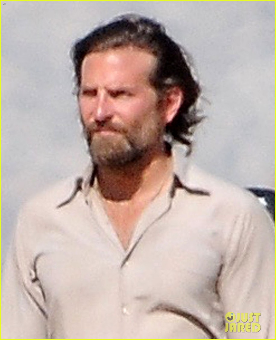 bradley cooper films a star is born alongside lookalike body double 033888783