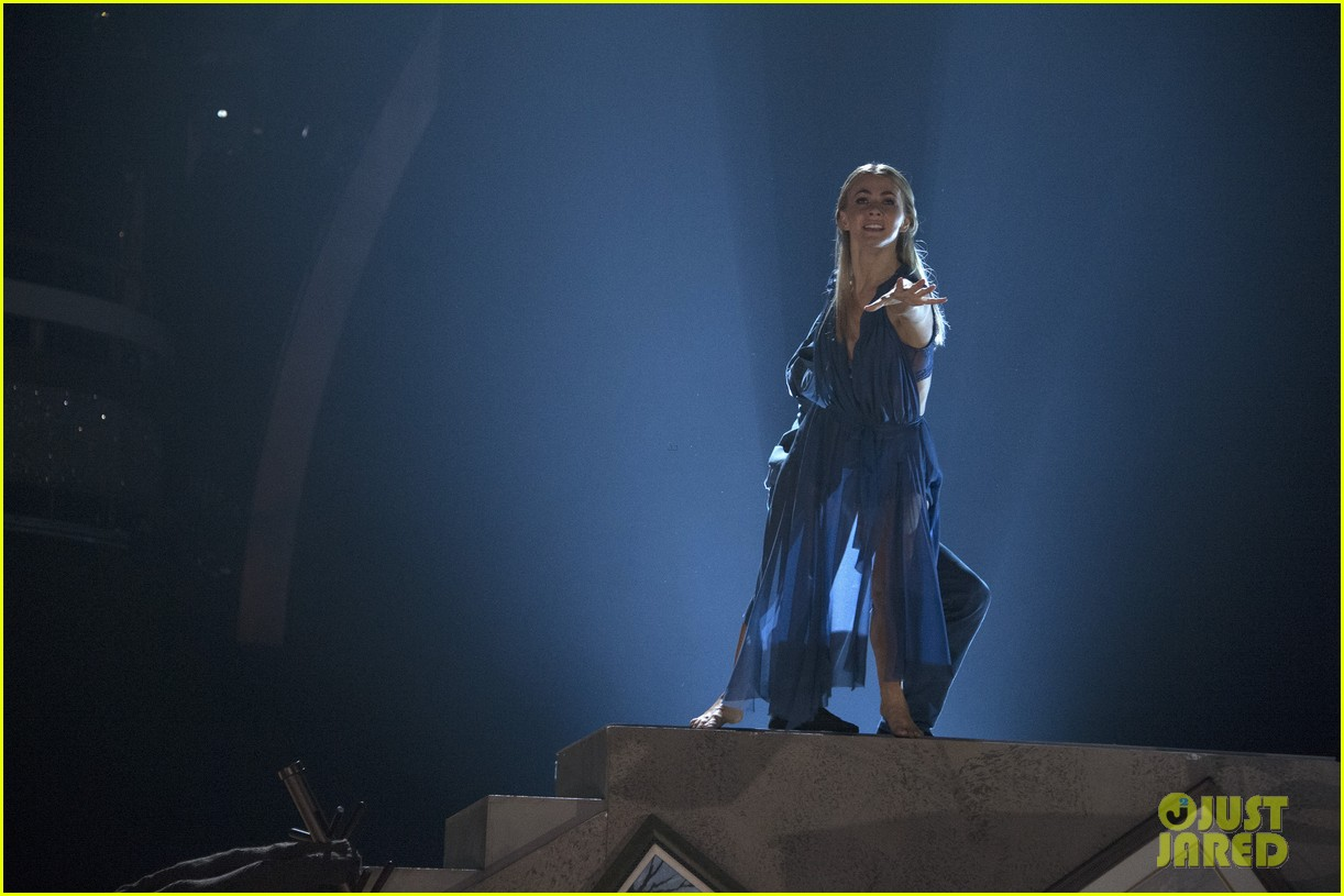 julianne derek hough dwts number 033881840