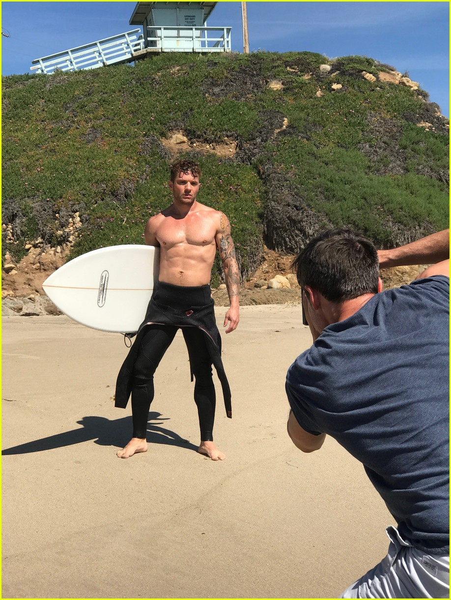 Ryan Phillippe Looks Hotter Than Ever for New Shirtless Beach Shoot ... Ryan Phillippe