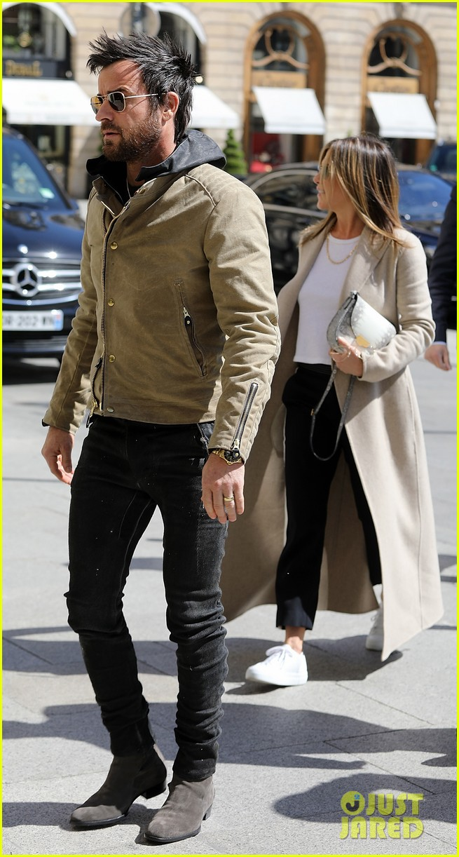jennifer aniston justin theroux out in paris 053885101