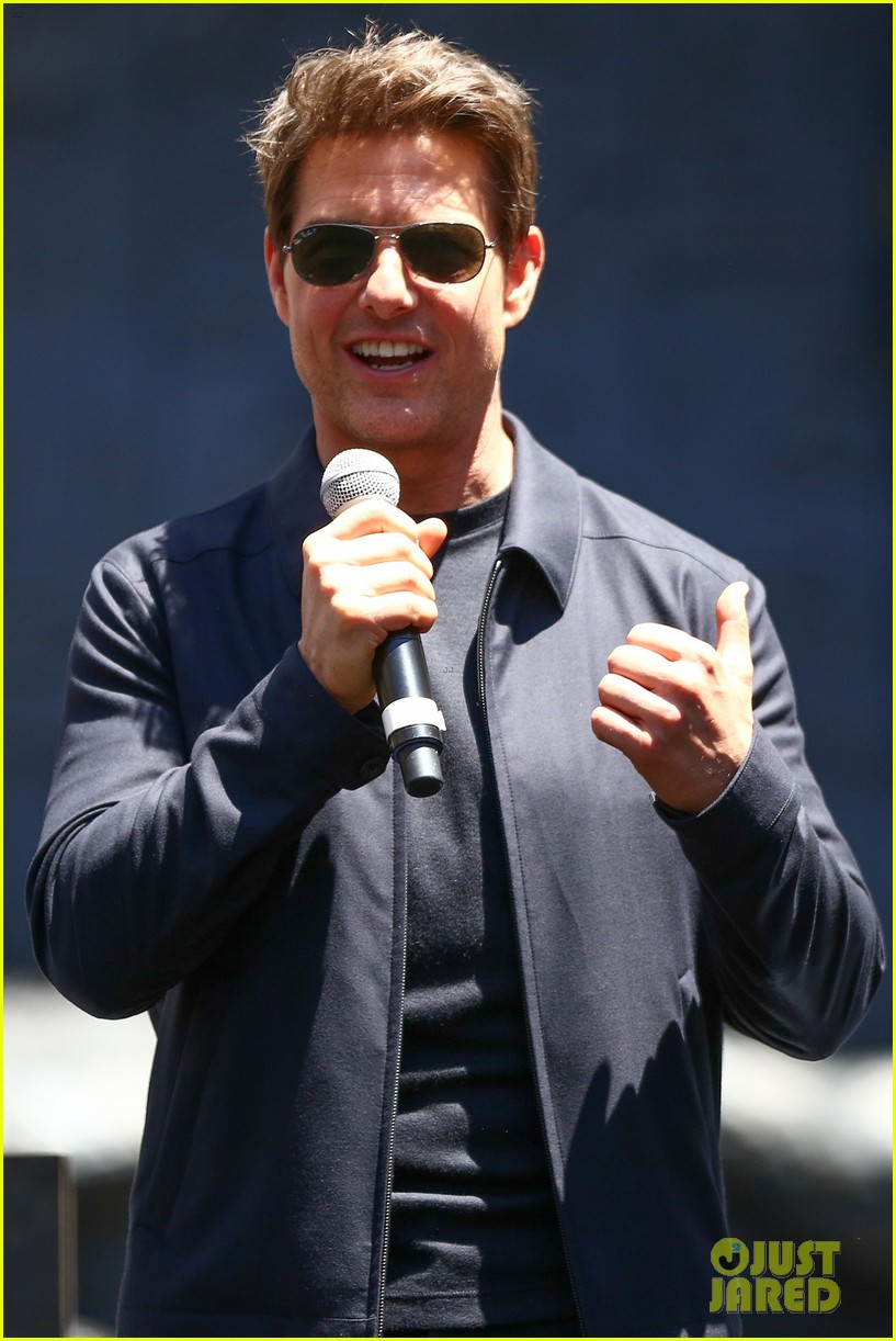 tom cruise the mummy cast celebrate mummy day in hollywood013902368