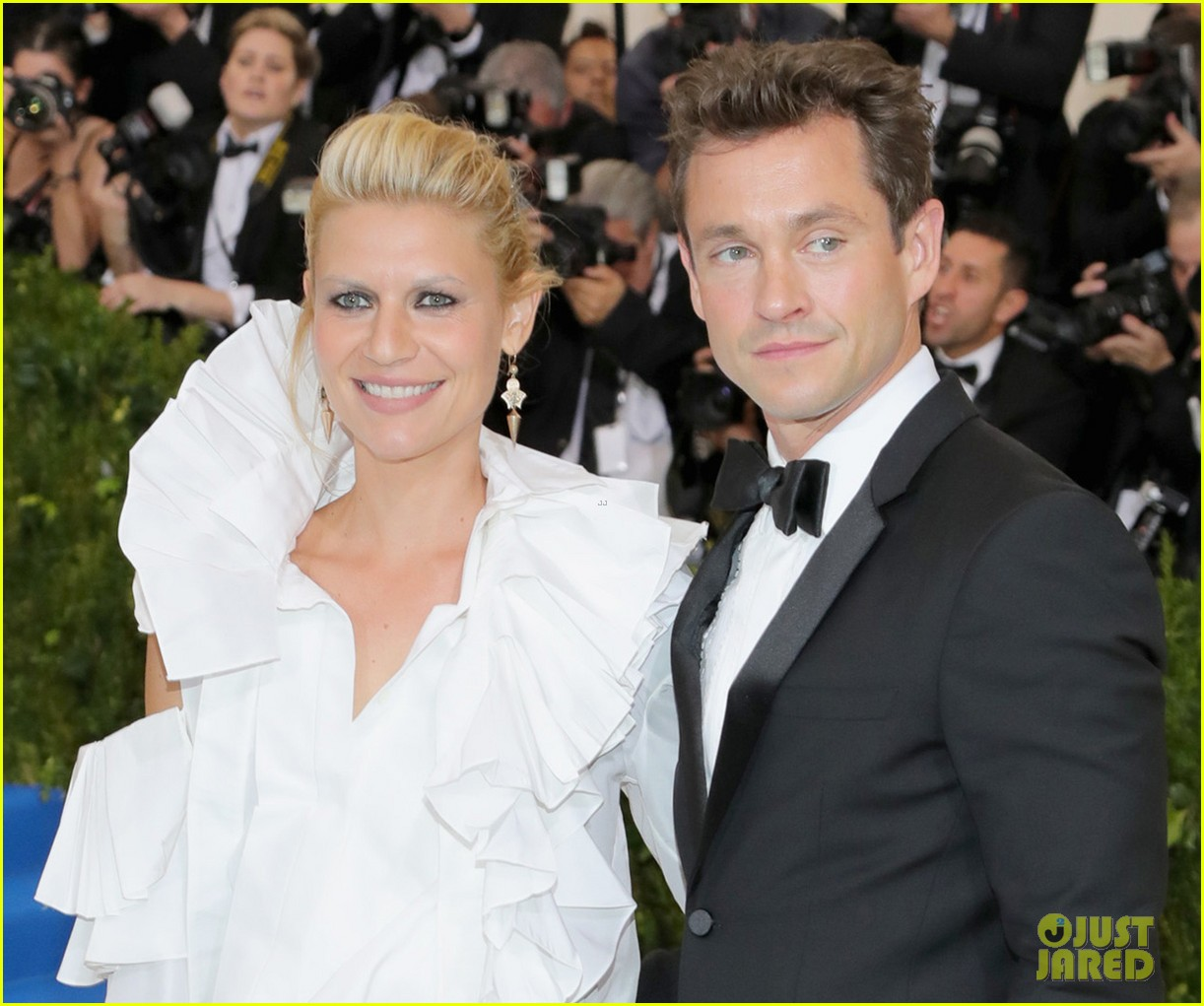 Claire Danes & Hugh Dancy Match In Black & White At Met