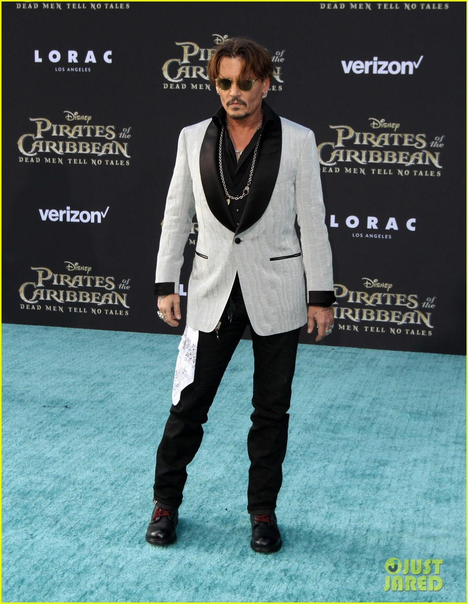 johnny depp orlando bloom premiere pirates in hollywood 133901316