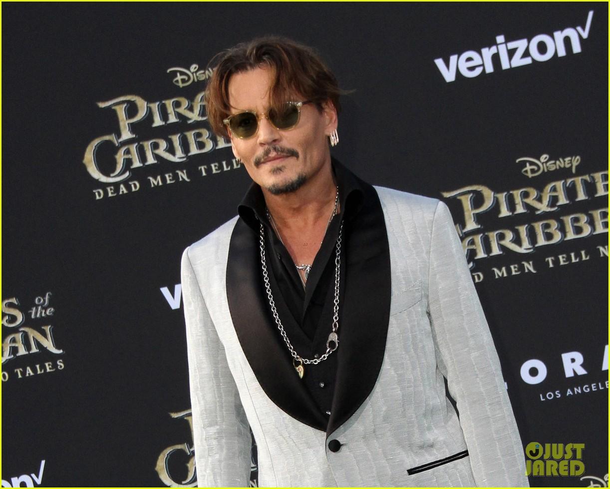 johnny depp orlando bloom premiere pirates in hollywood 143901317