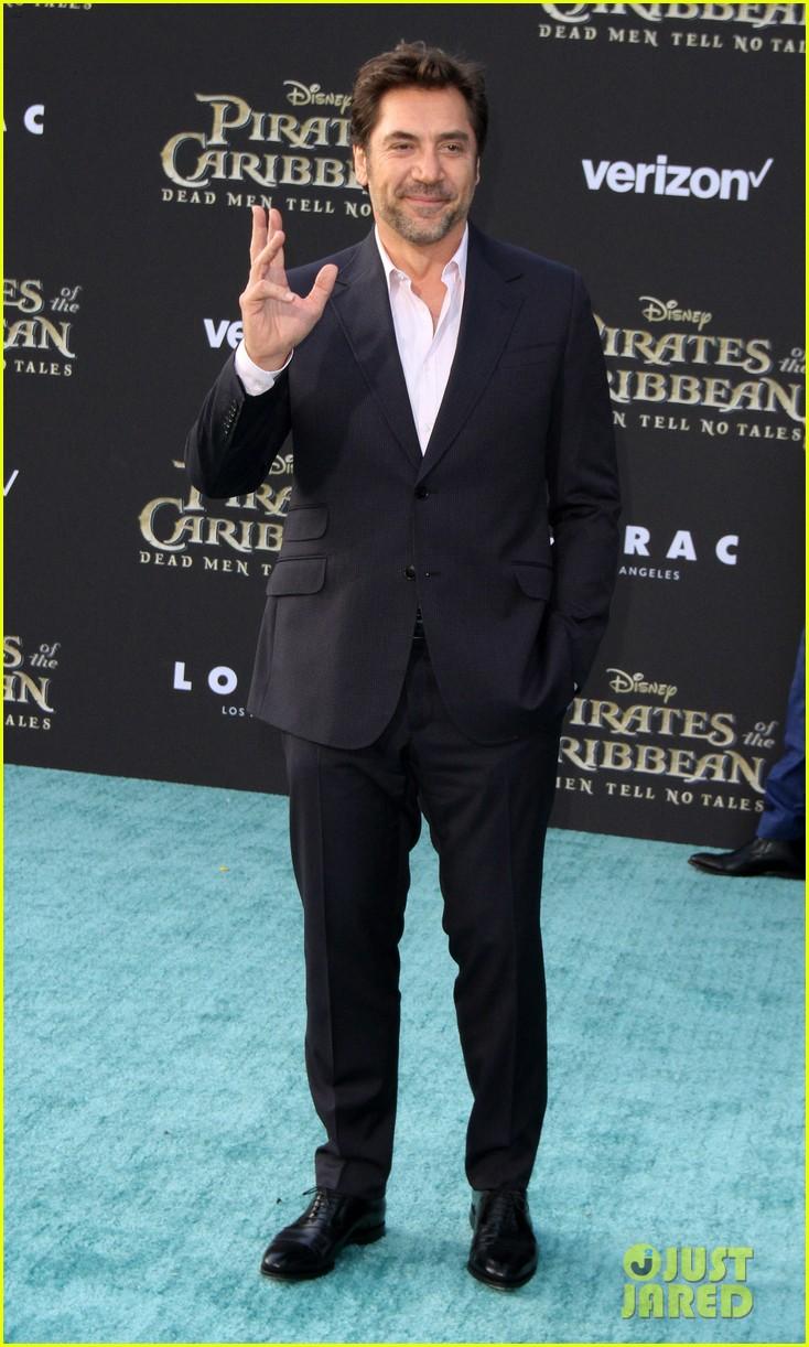 johnny depp orlando bloom premiere pirates in hollywood 19