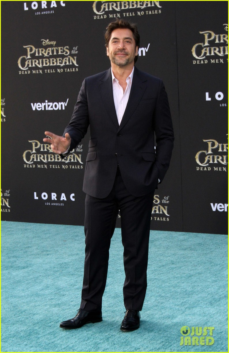 johnny depp orlando bloom premiere pirates in hollywood 203901323