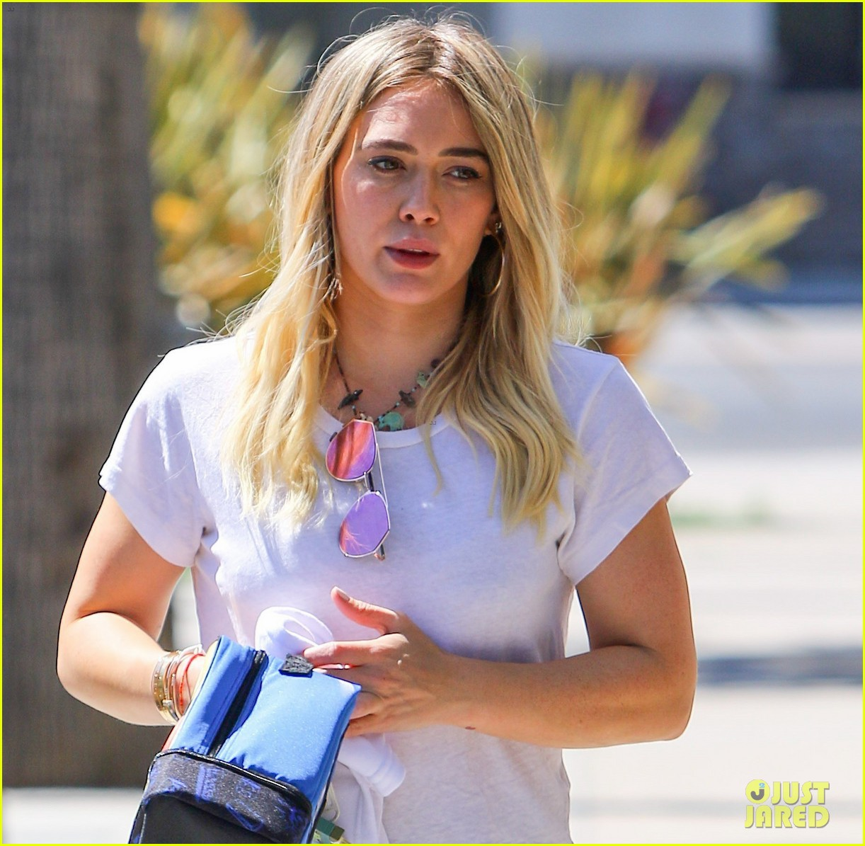 hilary duff adopted the cutest puppy meet momo023895391