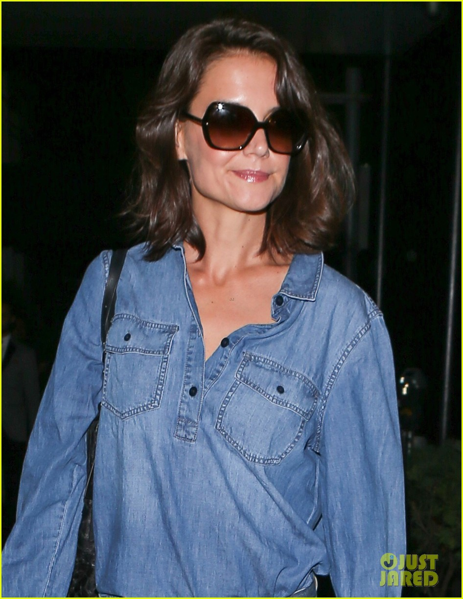 katie holmes rocks denim on denim in nyc043895398