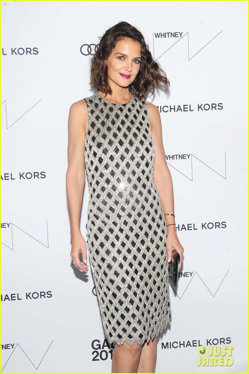 katie holmes shines at whitney event in nyc013904545