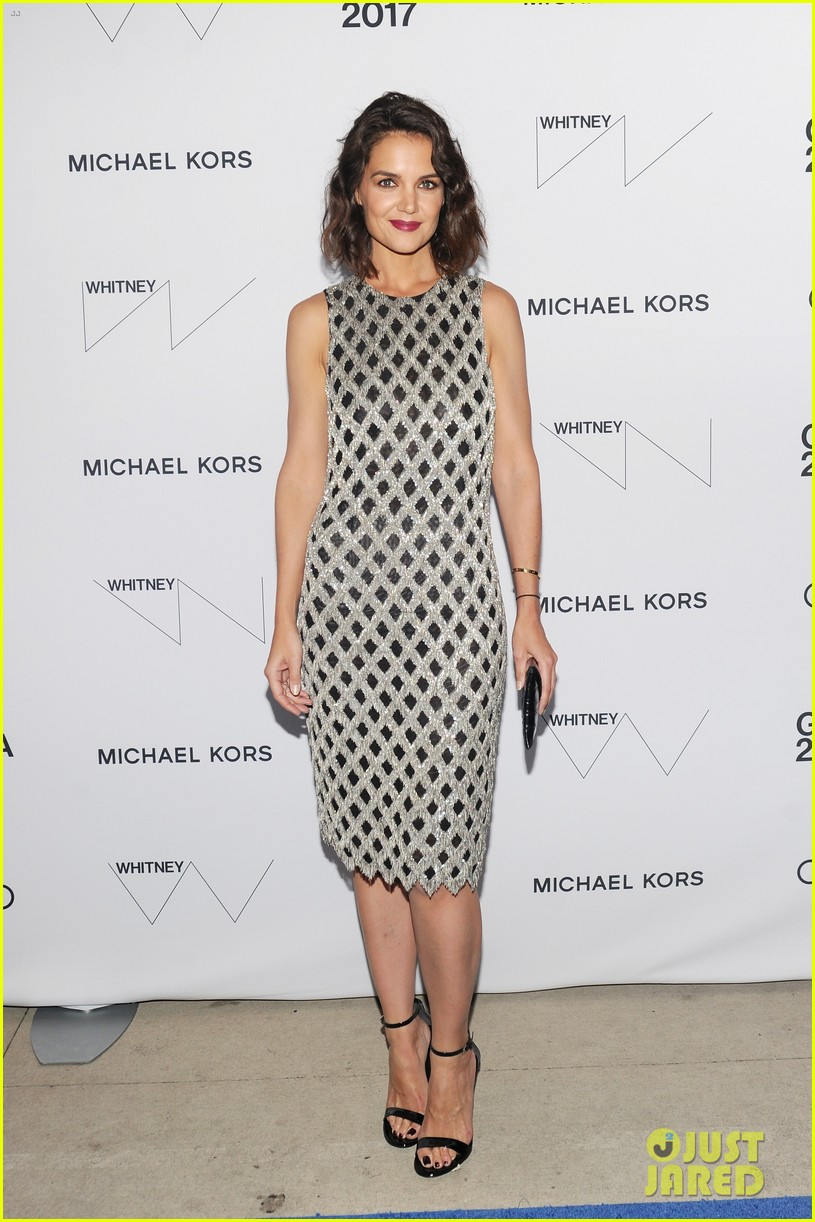 katie holmes shines at whitney event in nyc053904549