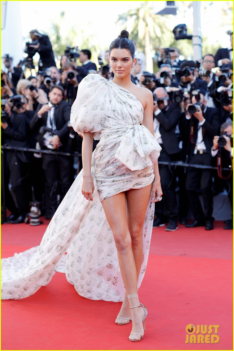 Kendall Jenner Makes Epic Entrance at Cannes Film Festival: Photo ...