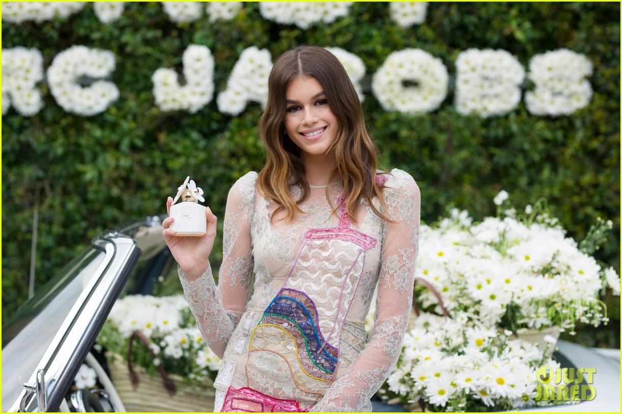 kaia geber marc jacobs daisy fragrance launch 223897331