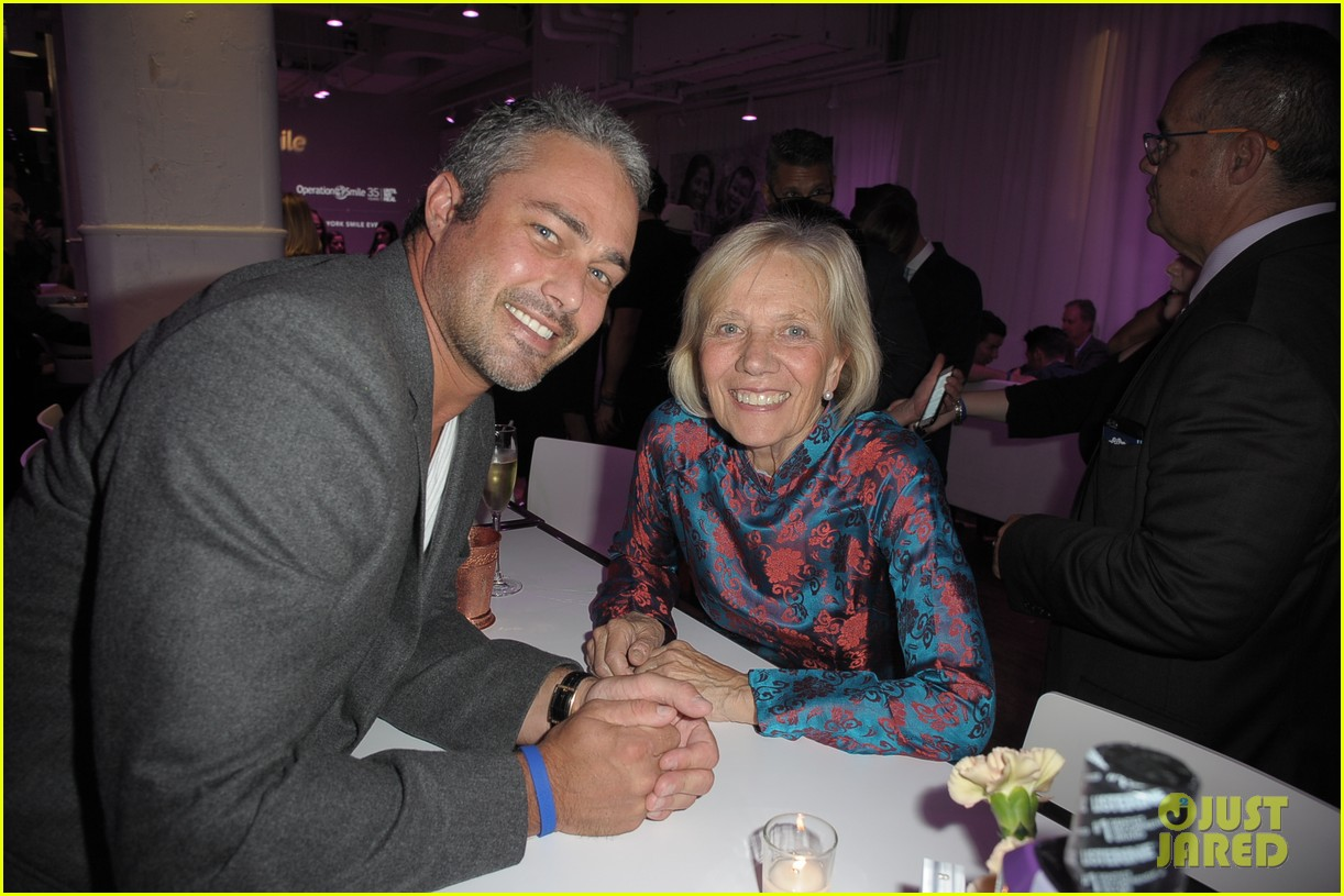 taylor kinney zachary levi operation smile 133901718