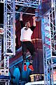 celebrity ninja warrior red nose day 01