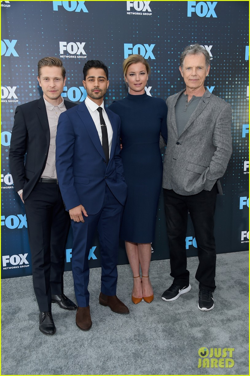 emily vancamp shows off engagement ring at fox upfronts 043899321