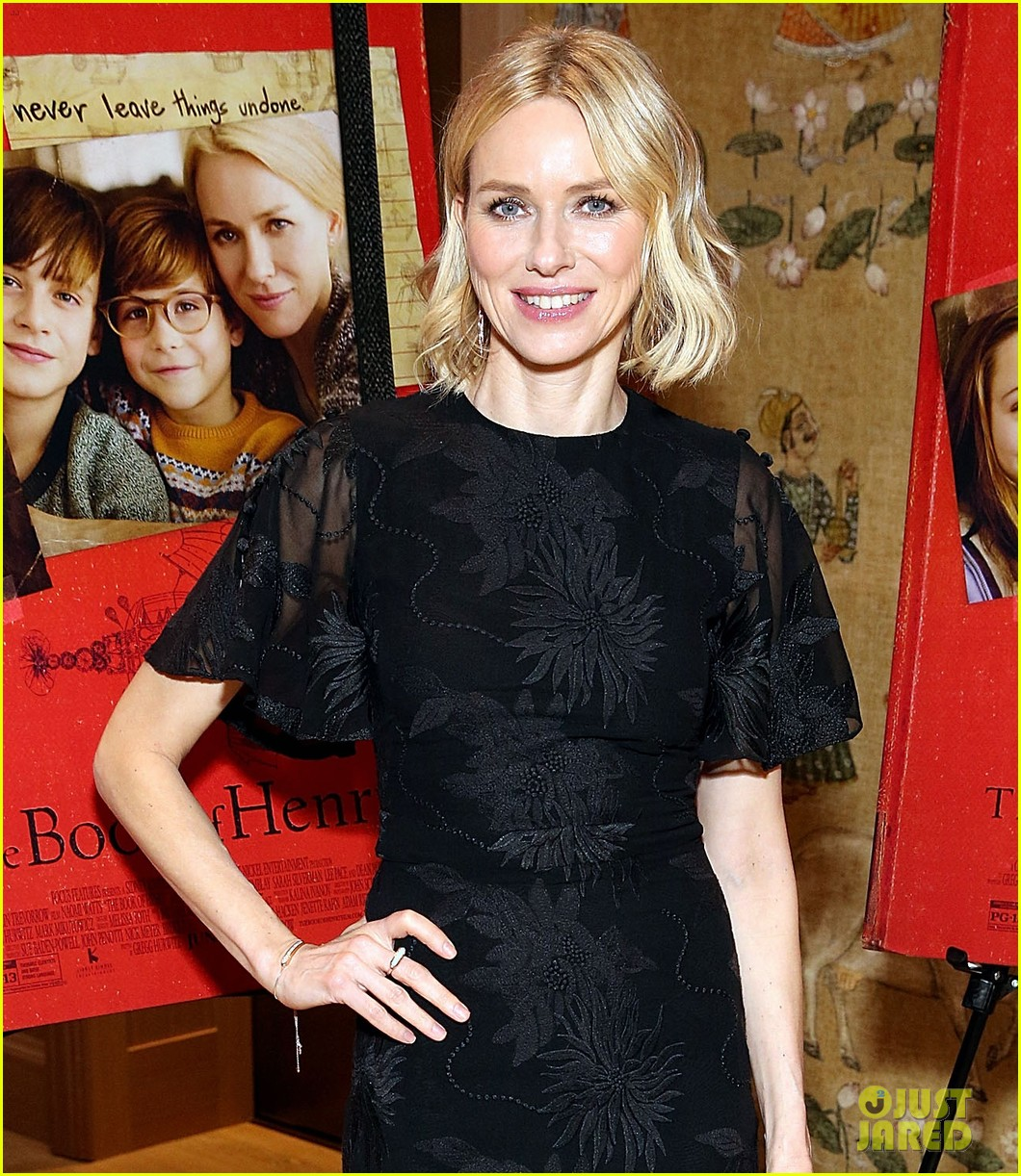 naomi watts gets warnings from david lynch not to share twin peaks spoilers 013901402