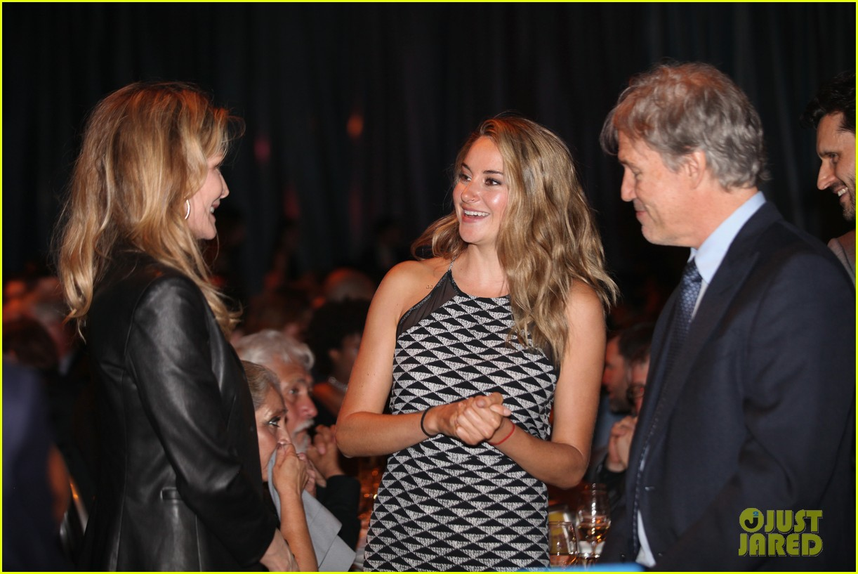 shailene woodley gets honored for her activism all were fighting for is love 15