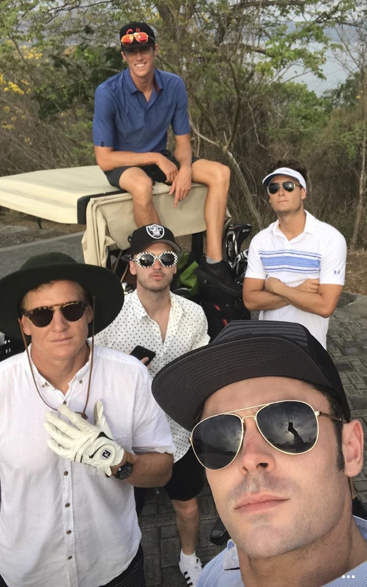 zac efron plays golf shirtless on vacation043895851