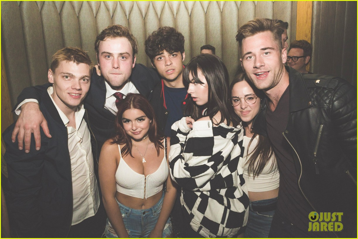 sterling beaumon birthday party ariel winter 053909101