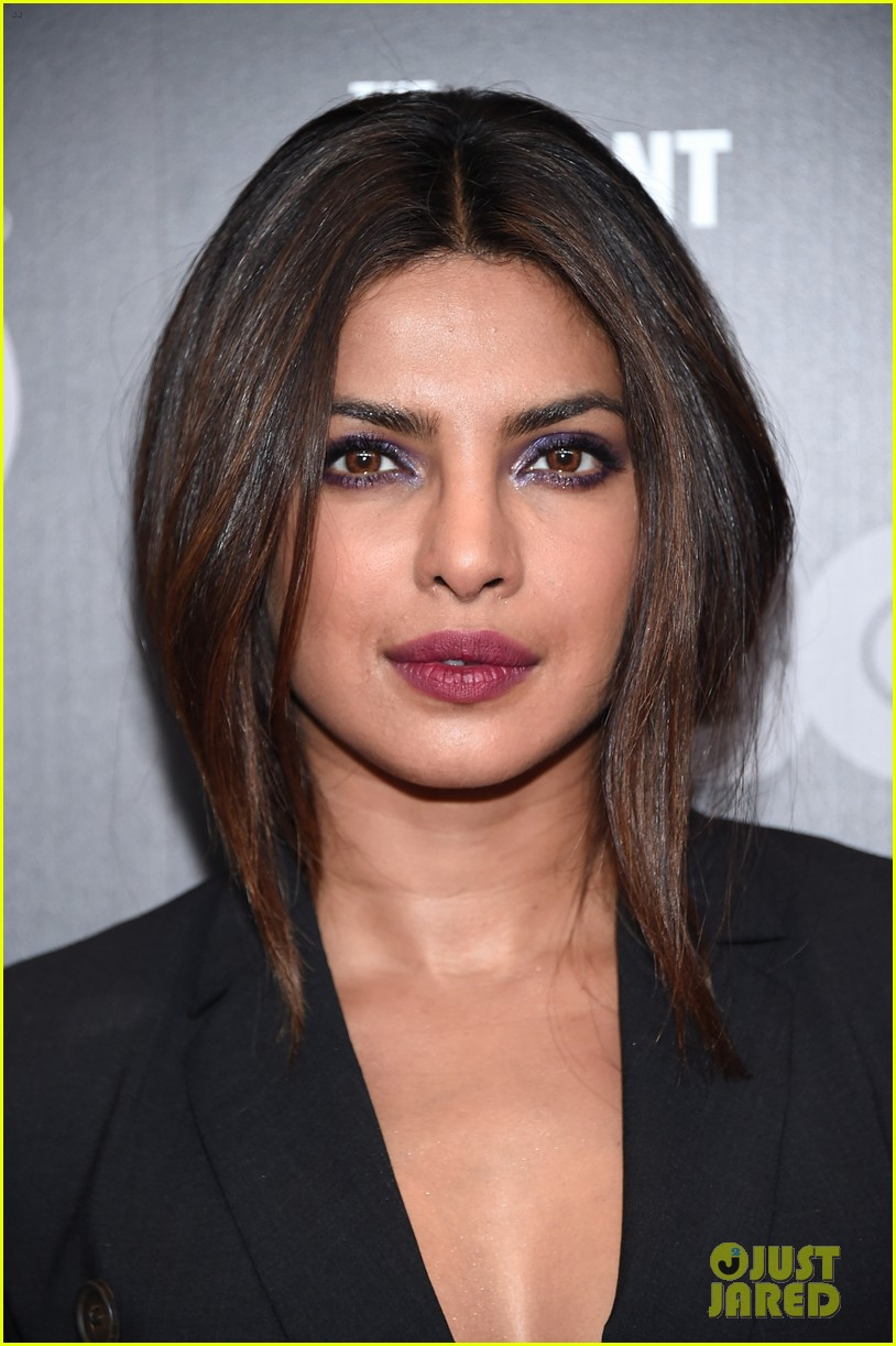 priyanka chopra steps out in style for the defiant ones new york premiere 01