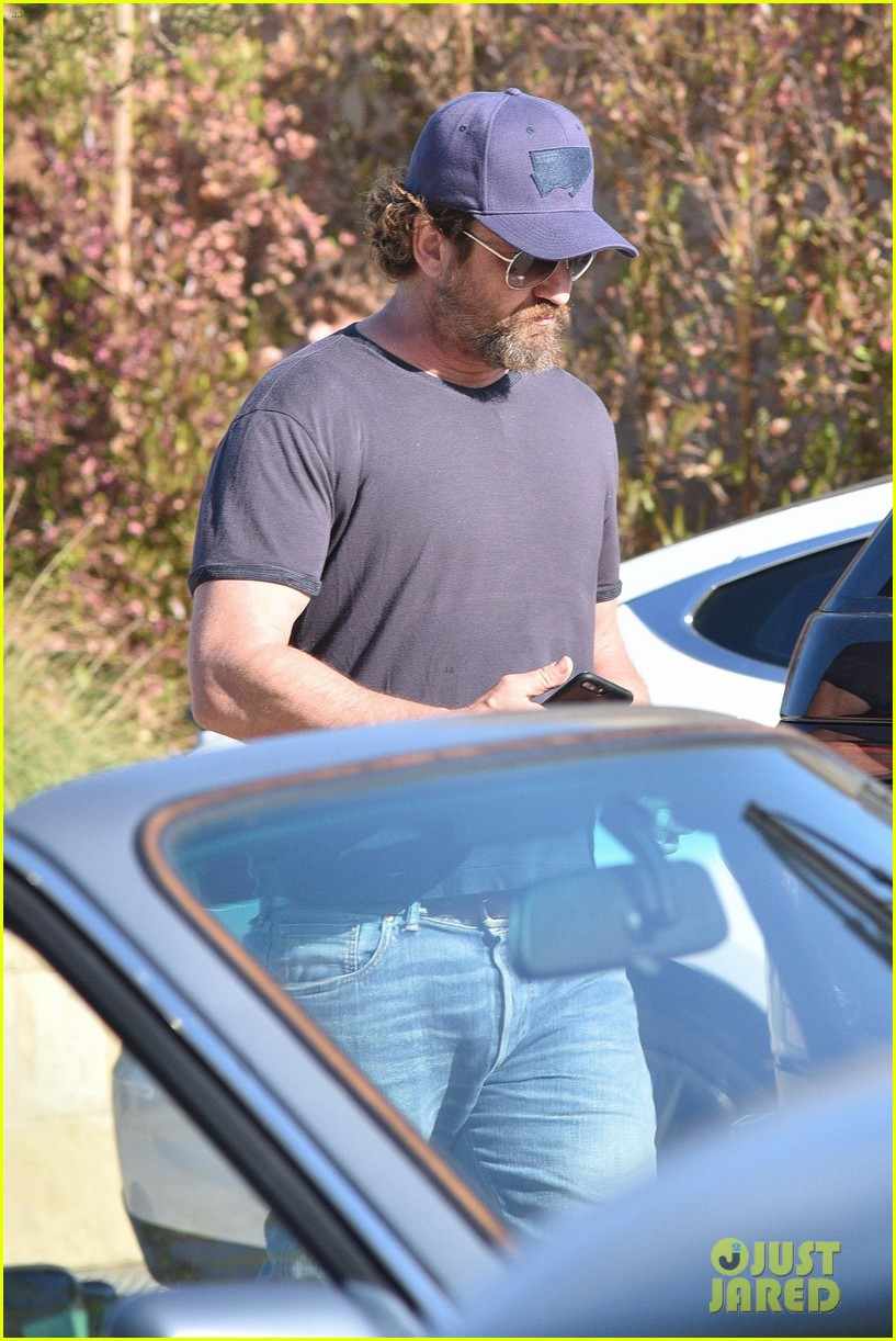 gerard butler ex morgan brown dinner date malibu 033922347