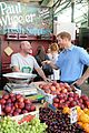 prince harry makes surprise visit to borough market after terror attack 04
