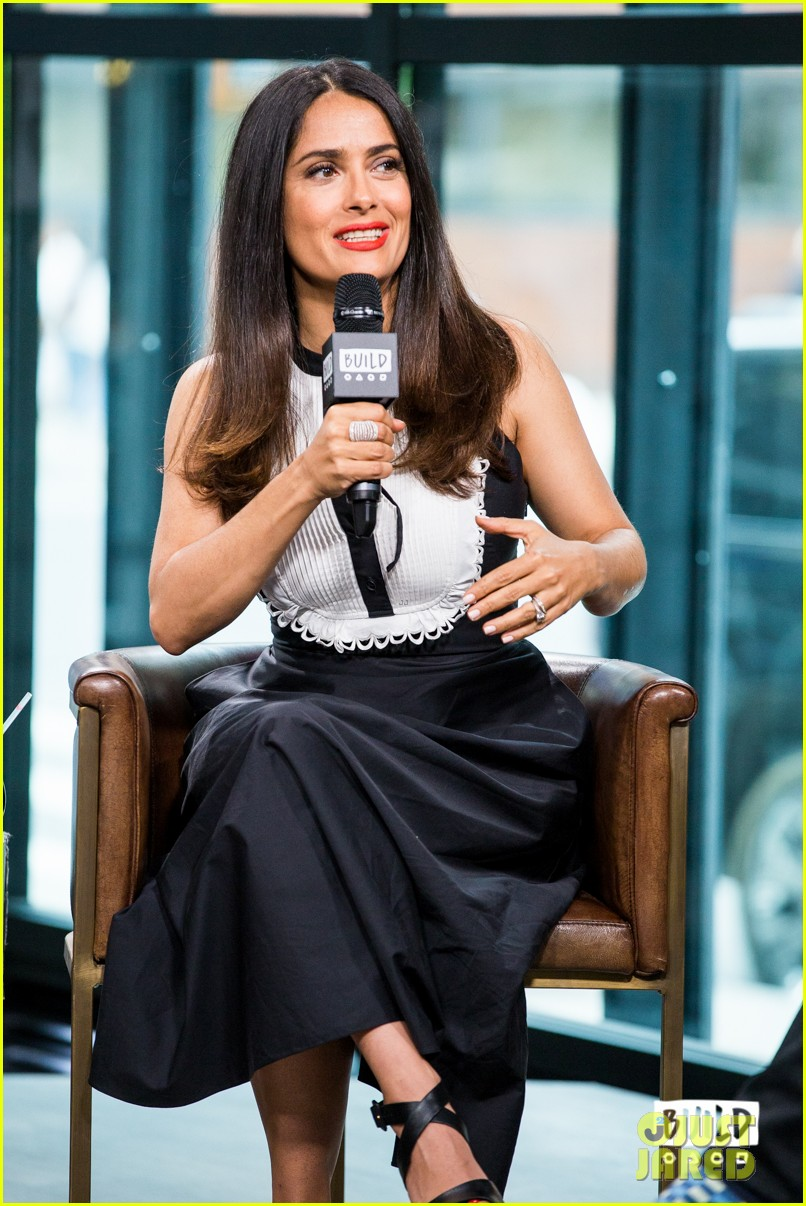 salma hayek says political climate in this country is like dark comedy 013911170