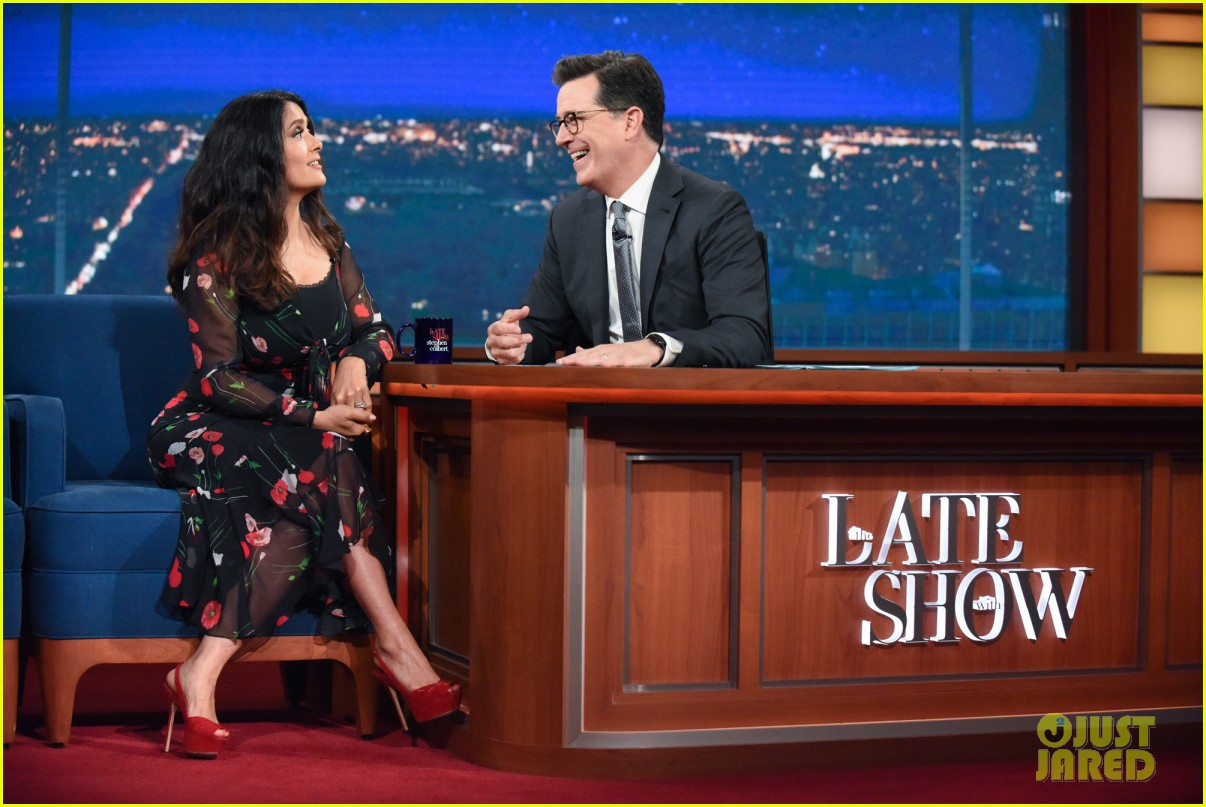 salma hayeks pink hair moment at cannes freaked out her hubby francois 023910543