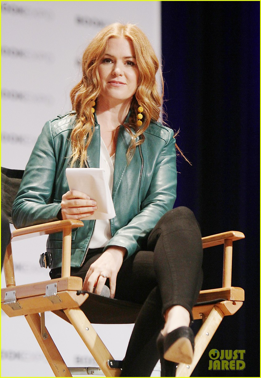isla fisher neil patrick harris promote projects at bookexpo 013908623