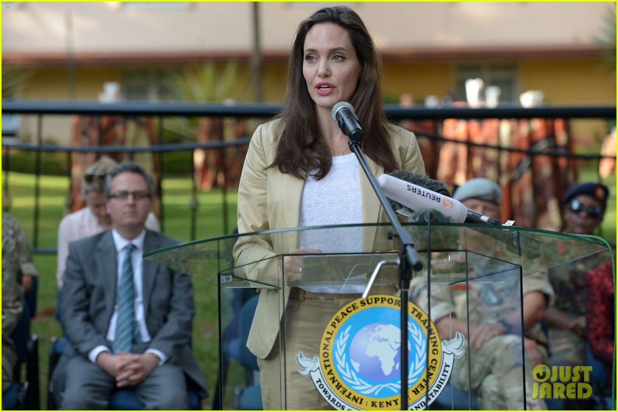 angelina jolie world refugee day 013917003