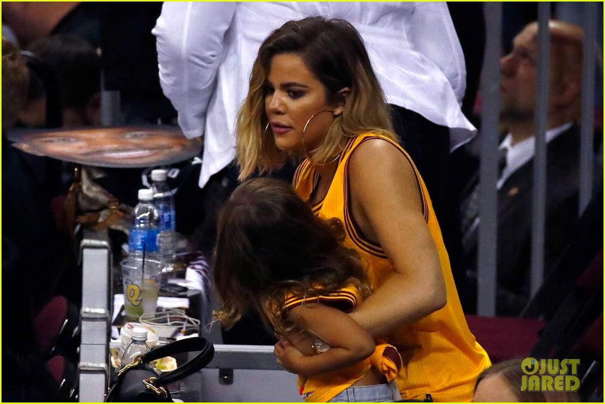 kourtney khloe kardashian watch the cavs win game 4 023912081