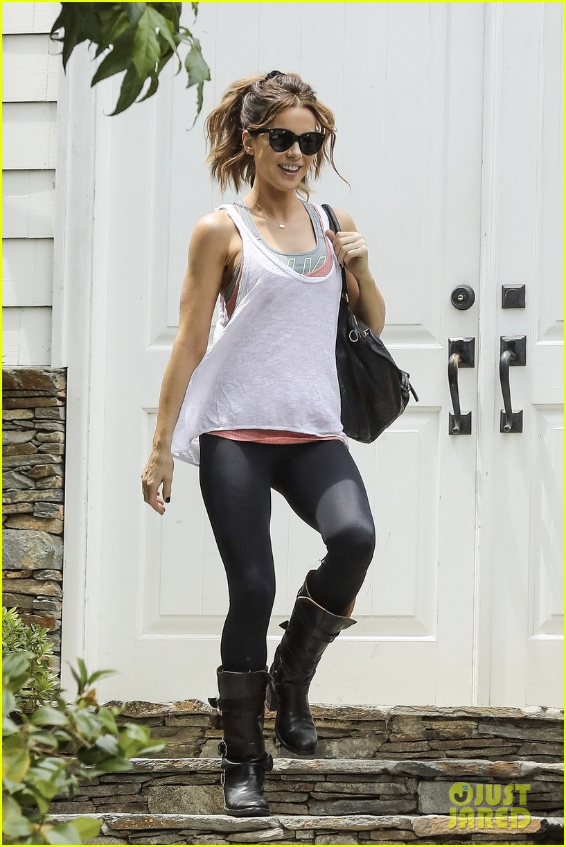 Kate beckinsale is all smiles while stepping out sans matt rife photo 3919356 kate beckinsale - Kate beckinsale pool ...