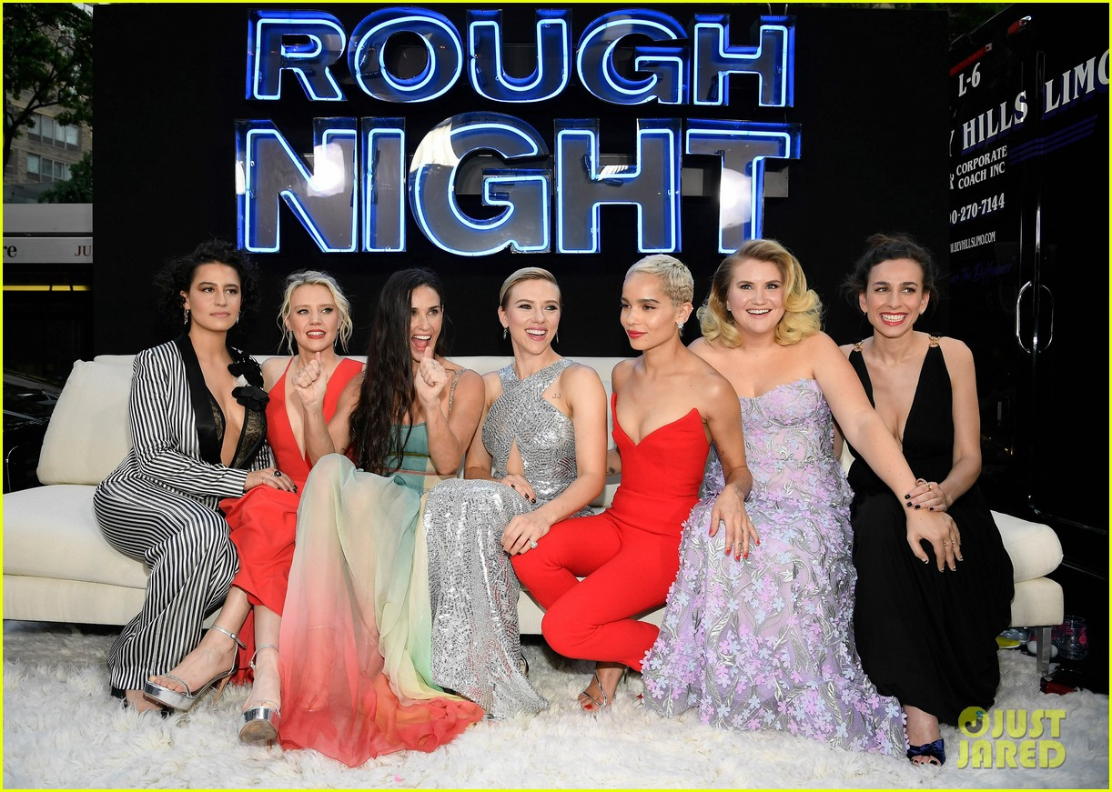 scarlett johansson rough night premiere 033913576