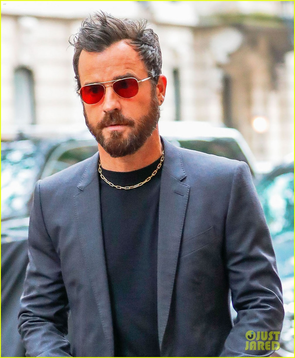 justin theroux reveals why jennifer aniston sometimes wont practice scripts with him 043907490