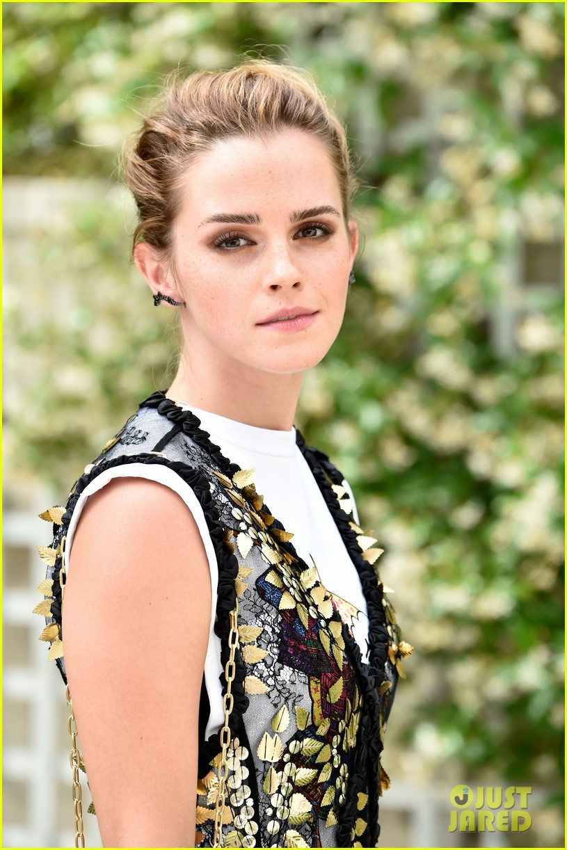 emma watson circle photo call paris 023918173