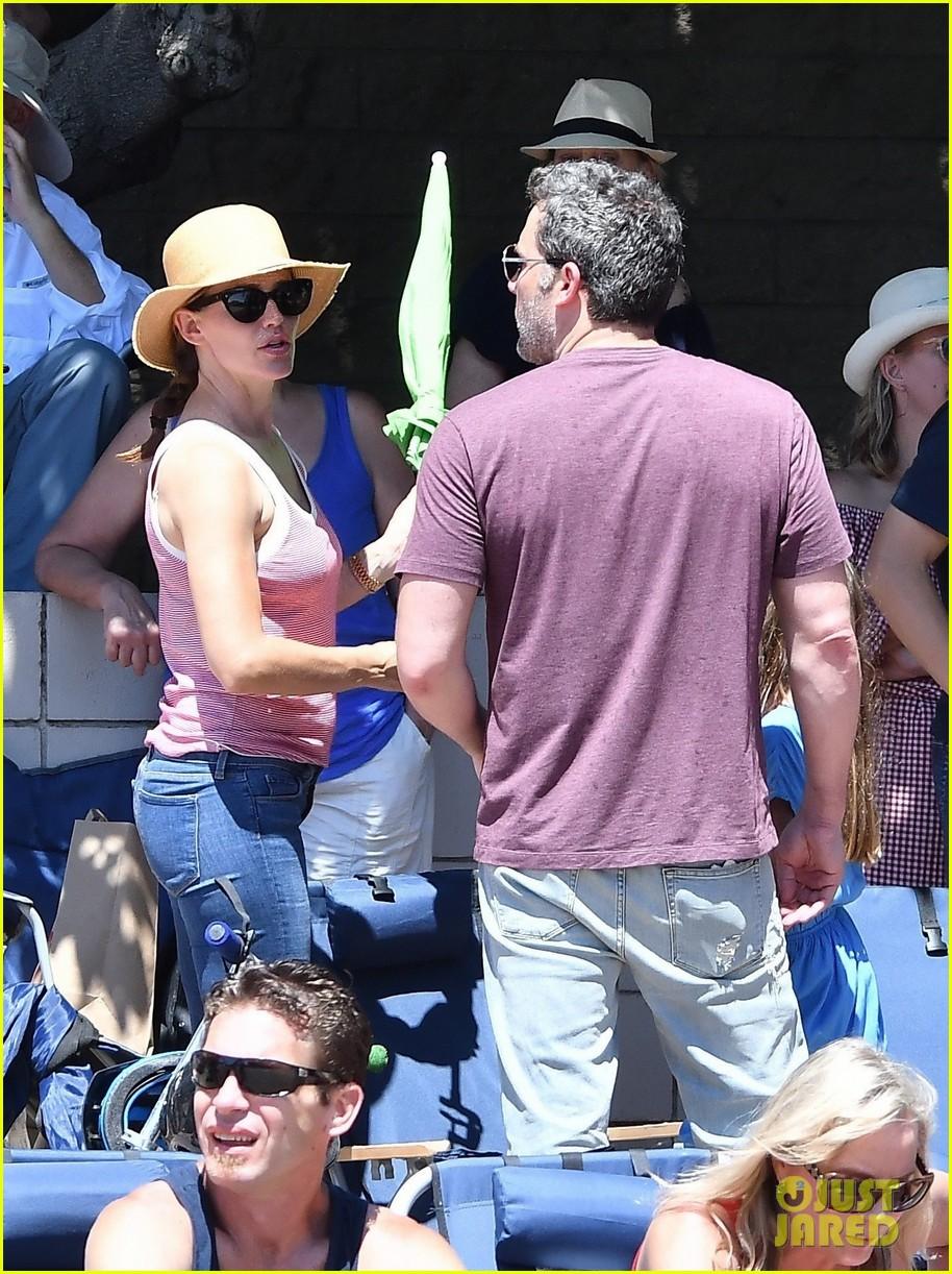 Full Sized Photo Of Ben Affleck And Jennifer Garner Take